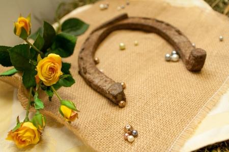 horseshoe and flowers