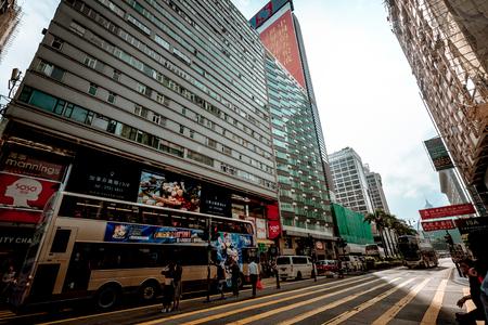 November 19, 2016 : Close up view of Nathan Road in Tsim Shai Tsui, Hong Kong Редакционное