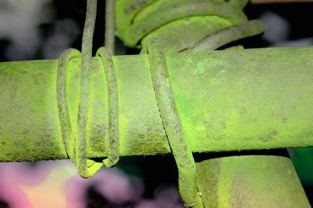 oxidized: Tubos de hierro oxidadas Foto de archivo