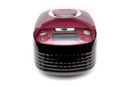 Computer rice cooker with smart cook program on White Background. Banque d'images - 119135864