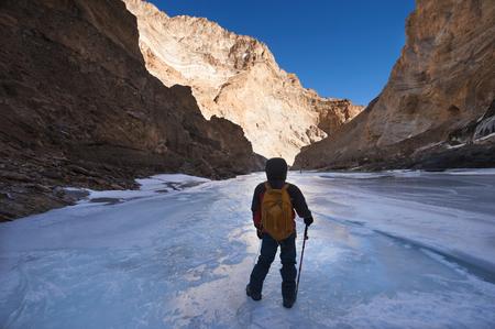 Chadar Trek or Trekking on Frozen Zanskar River, Ladakh, India Imagens