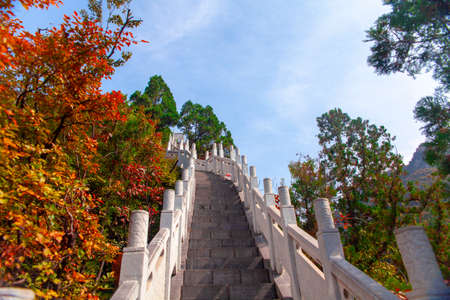 White jade railing steps and red leaves on Tianwang Peak of Taihang Mountain