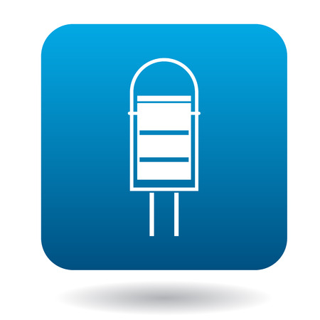 segregate: Outdoor bin icon in simple style on a white background Illustration