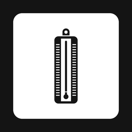 low scale: Thermometer indicates low temperature icon in simple style on a white background vector illustration