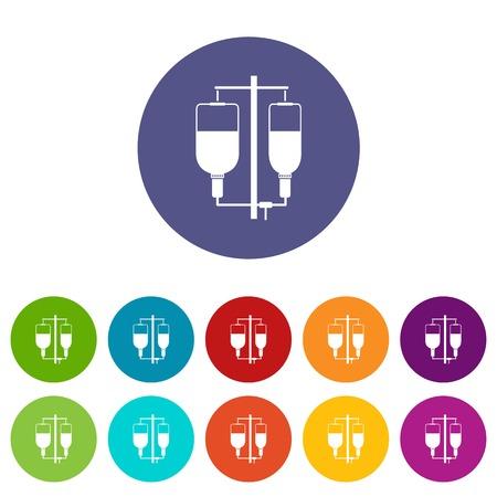 Infusión intravenosa establece iconos en diferentes colores aislados sobre fondo blanco