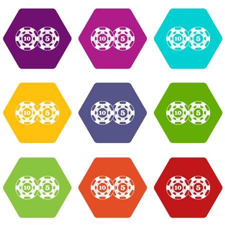 L'icona nominale cinque e dieci dei chip di poker ha messo molti hexahedron di colore isolato sull'illustrazione bianca di vettore