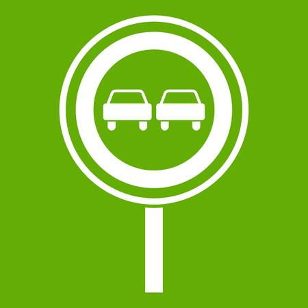 No overtaking sign icon green background Vettoriali