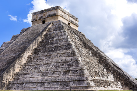 Closeup of Temple of Kukulkan Pyramid (El Castillo) in Chichen Itza ruins, one of the Seven Wonders of the World and UNESCO World Heritage Site Stock Photo