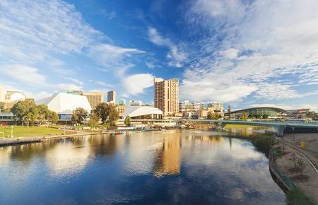낮 호주 애들레이드 도시의 시내 지역