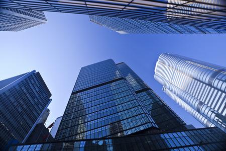 Syscrapers à Hong Kong dans la journée, ton bleu