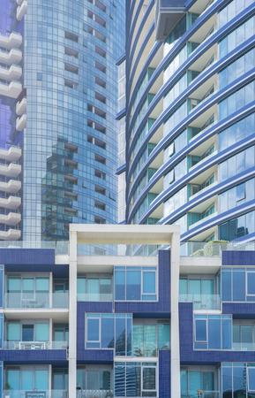 Melbourne, Australien - 26. Februar 2016: Neue Wohngebäuden in Melbourne CBD. Es hat sich in den letzten Jahren eine bedeutende Wohn-Wohnung Boom in Melbourne gewesen. Editorial