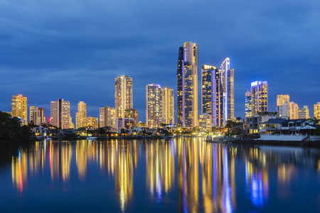 surfers paradise: Modern buildings with reflection at twilight