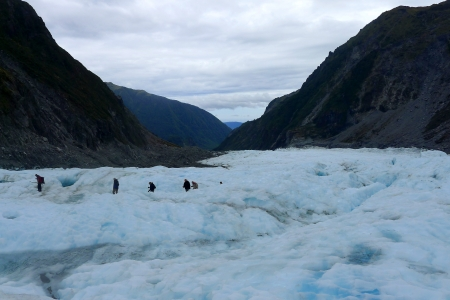 esquimales: excursionistas glaciar en la distancia