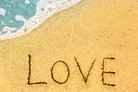 Vague douce de l & # 39 ; océan bleu sur la plage de sable. concept plat fond. fond plat de l & # 39 ; amour. Banque d'images - 91512708