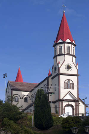 Iglesia de Puerto Varas, Chile  Foto de archivo - 5448012
