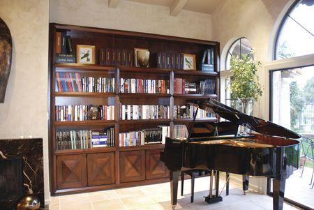 bibliotecas: Una foto interior de un elegante Biblioteca y librer�a  Foto de archivo