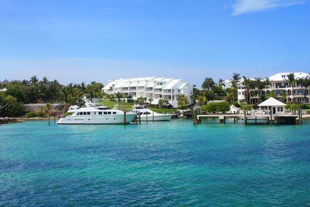 bahamas: Kustlijn en de oceaan in de Bahama's op Paradise Island