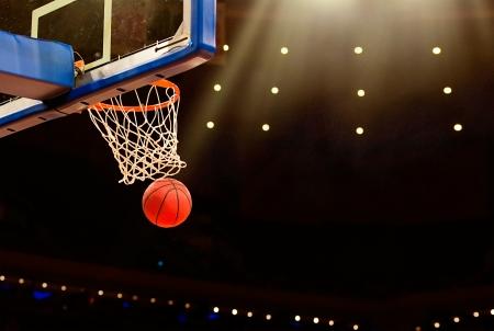 ネットを通過するすべてのバスケット ボール バスケット 写真素材