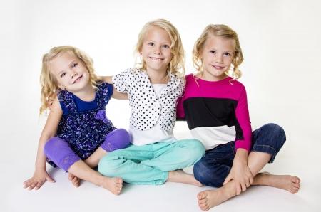 세 가지 아름 다운 작은 소녀의 초상화 스톡 콘텐츠