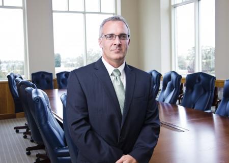 Mature Businessman Portrait in a conference room Banque d'images