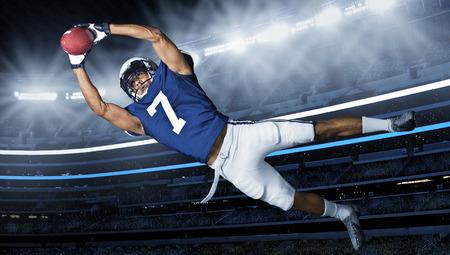 American Football Touchdown fangen Standard-Bild - 29581358