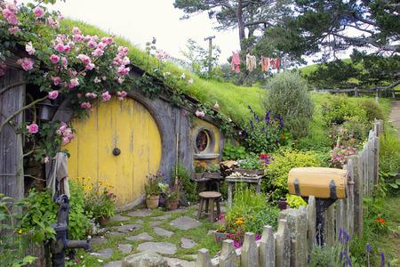 Hobbit Loch Haus in Mittelerde Standard-Bild - 36606831