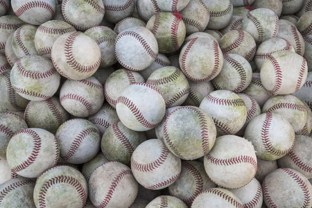 Grote Stapel van vele baseballs. Grote Baseball achtergrond Stockfoto - 54550157