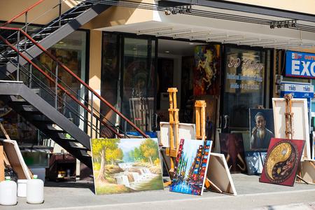 PHUKET, THAILAND - APRIL 19, 2014: Painting street store in Phuket town Thailand Standard-Bild - 110497839