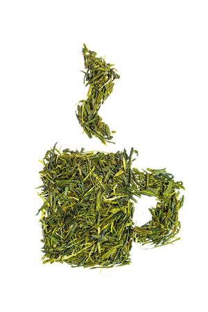 Cup of tea made of sencha green tea leaves isolated on white Standard-Bild - 100895725