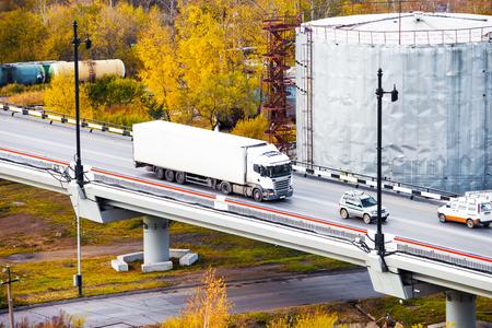 White truck on a bridge Standard-Bild - 110545605