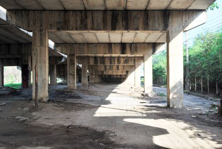 Structural photos and cement beams under the expressway