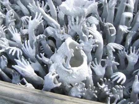 infierno: Serie de Manos del infierno en Wat Rong Khun en Chiang Rai, Tailandia
