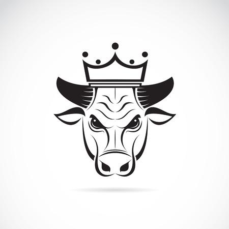 Vector beeld van een stier hoofd dragen van een kroon op een witte achtergrond. Stock Illustratie