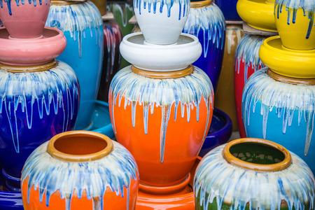 waterleiding: meerdere kleuren vaas, pot voor waterwerken