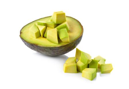 Hälfte und Teil geschnitten Avocado auf weißem Hintergrund Standard-Bild