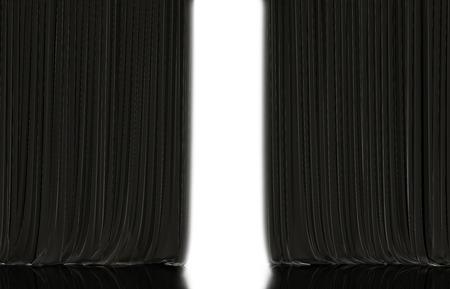 cortinas: Apertura de la cortina negro en el teatro o el cine etapa. Foto de archivo