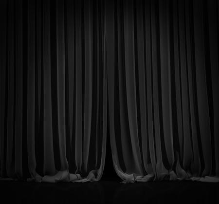 cortinas: Cortina de negro con la luz del punto en el teatro o estadio cine. Foto de archivo