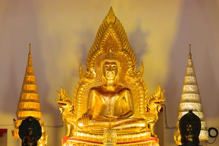 Gold buddha in Thailand temple , beautiful culture history, religion background. Zdjęcie Seryjne