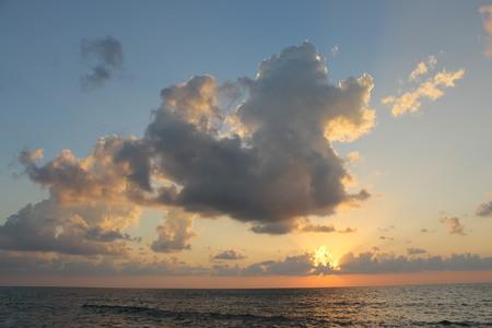 Glorious Sunset 版權商用圖片