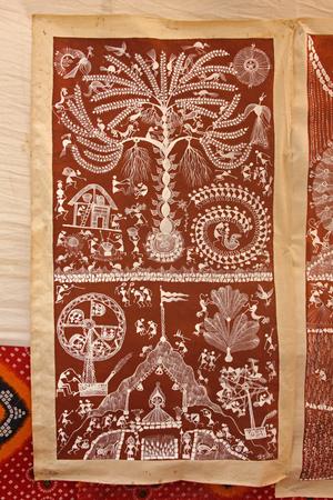 maharashtra: Warli wall painting, Handicraft, Maharashtra, India Stock Photo