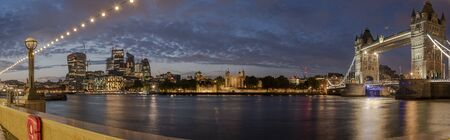 HUGE-Evening panorama of Central London, icluding famous landmarks as Tower bridge, The tower of London and the Gherkin. 写真素材
