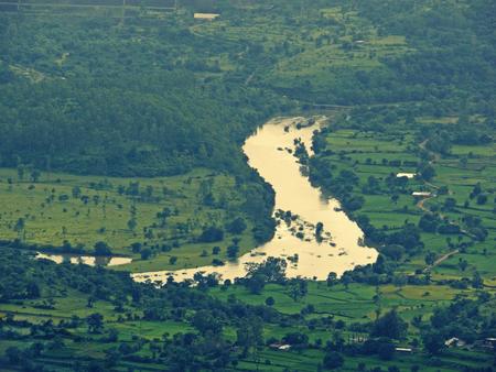 pune: Mutha river, Pune, Maharasthra, India Stock Photo