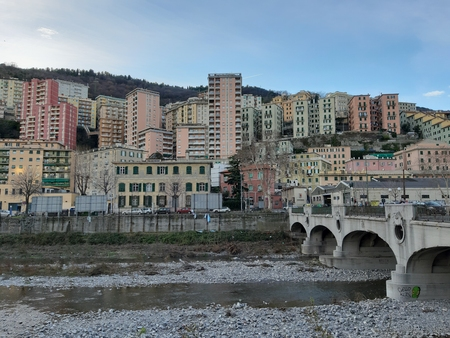 Genova, Italy - 11/01/2018: An amazing views of the pld station of Genoa in autumn with a great blue sky and some old parts of the city 写真素材 - 122561918