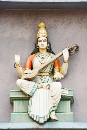 hindu temple: hindu deity statue