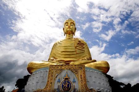 veneration: Buddha statue