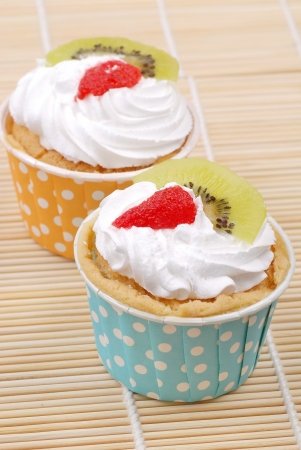 cup cake with strawberry and kiwi fruit on top Stock Photo - 23556906