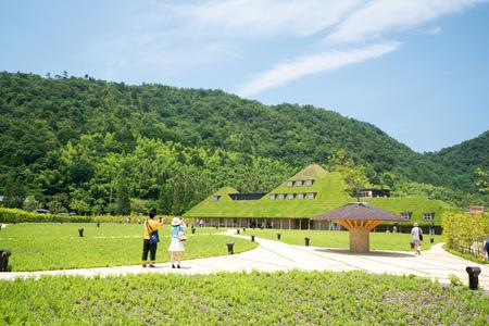collina: La Collina,Taneya,omihachiman,shiga,tour of japan Editorial