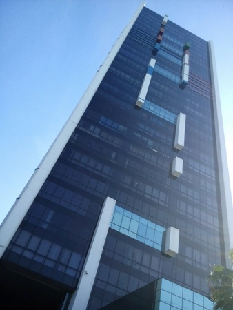 edificio cristal: Edificio de vidrio