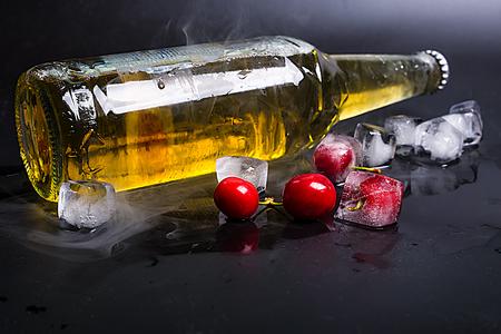icecube: beer and cherry