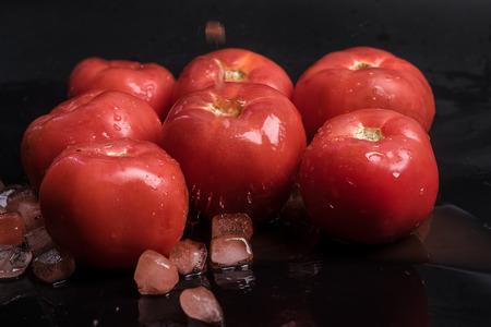 gules: tomato
